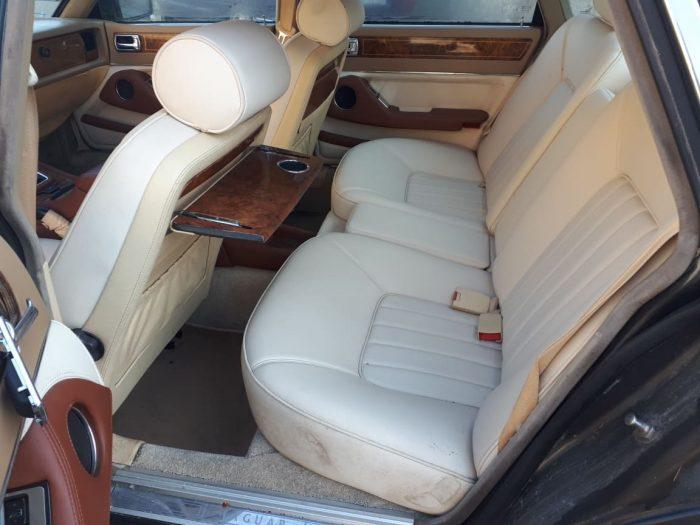 Jaguar XJ40 3.6 środek Daimler